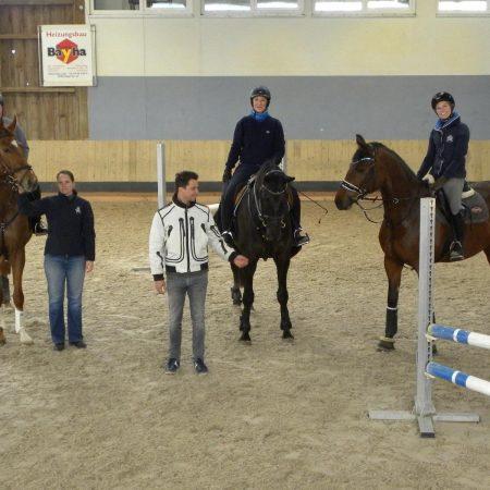 V.l.n.r. Bernd Sax (Istros)und Irina Hafner, Trainer Dominik Todten, Irina von Thumb (Farell Feliz), Kerstin Fuchs (Monticella)